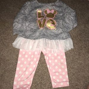 Minnie Mouse Sweater and Leggings Outfit